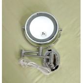 Увеличивающее косметическое зеркало с подсветкой